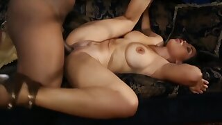 Kessika, Hot MILF